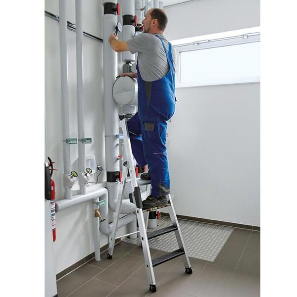 Günzburger Stehleiter 250 kg einseitig begehbar mit clip-step R13